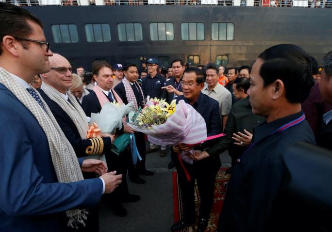 Thủ tướng Hun Sen bảo vệ quyết định cho du thuyền Westerdam cập cảng - Ảnh 1.