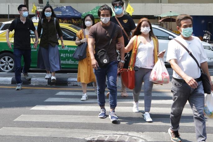 Bác sĩ Thái Lan công bố hai nhóm thuốc giúp chữa virus corona - Ảnh 1.