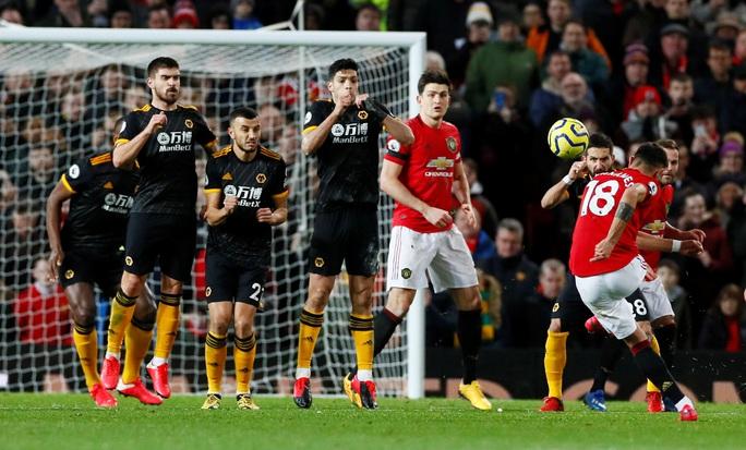 Bom tấn chào sân, Man United vẫn sẩy chân ở Old Trafford - Ảnh 3.