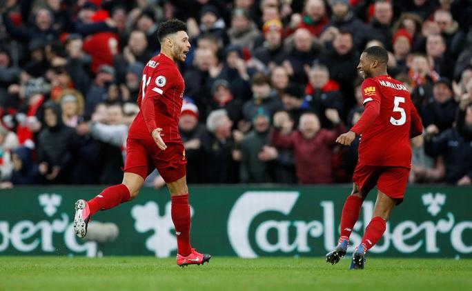Đè bẹp Southampton, Liverpool độc diễn ngôi đầu Ngoại hạng - Ảnh 1.