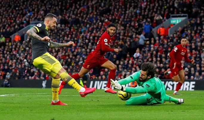 Đè bẹp Southampton, Liverpool độc diễn ngôi đầu Ngoại hạng - Ảnh 2.
