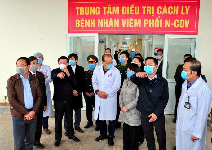 Lập bệnh viện dã chiến, người Việt qua cửa khẩu Móng Cái phải cách ly 14 ngày - Ảnh 2.