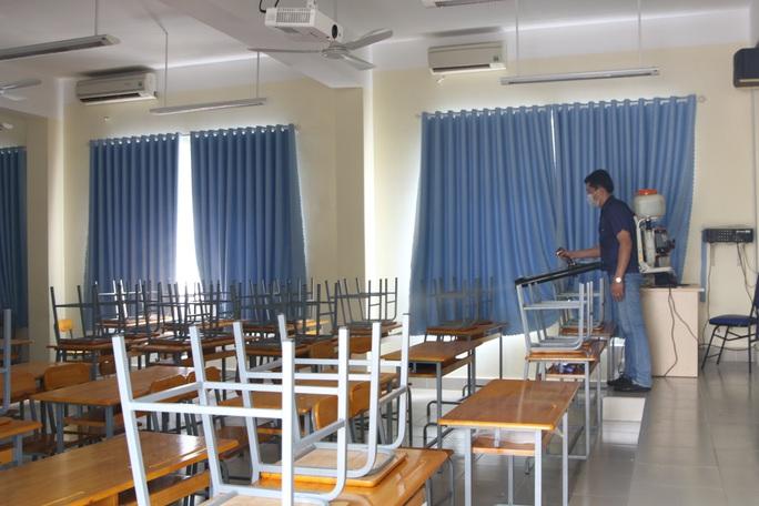 Sở GD-ĐT TP HCM: Các trường không được tự ý cho học sinh nghỉ học - Ảnh 1.