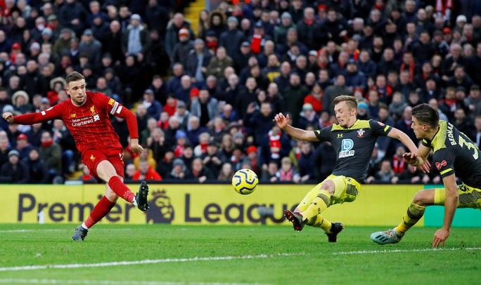 Đè bẹp Southampton, Liverpool độc diễn ngôi đầu Ngoại hạng - Ảnh 4.