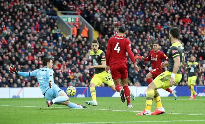 Đè bẹp Southampton, Liverpool độc diễn ngôi đầu Ngoại hạng - Ảnh 3.