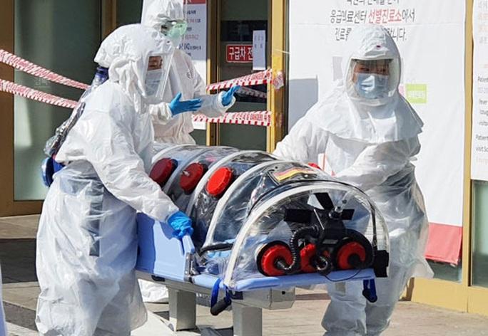 Hàn Quốc hoang mang vì trường hợp siêu lây nhiễm - Ảnh 1.