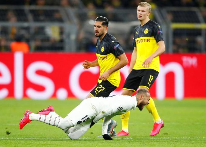 Liverpool, Tottenham  thảm bại, sao trẻ tỏa sáng - Ảnh 1.