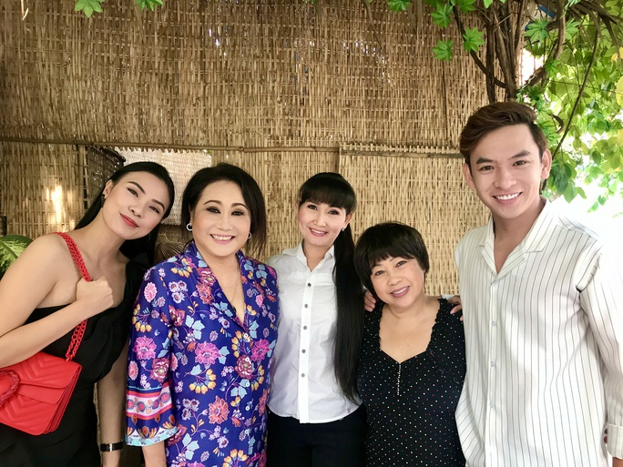 Rời phim trường đột ngột, nghệ sĩ Thanh Hằng nhập viện  - Ảnh 4.