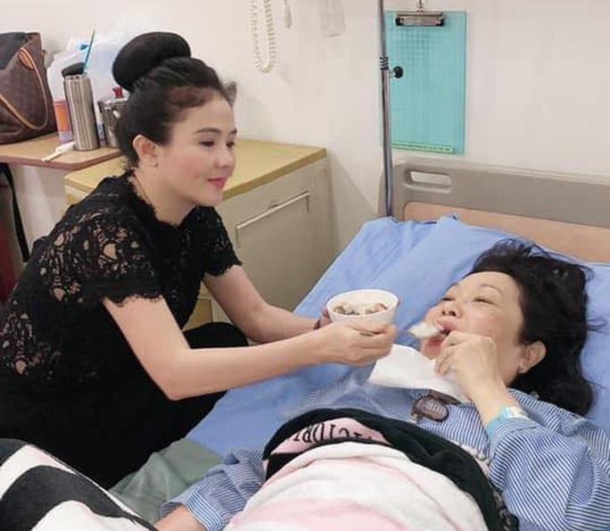Rời phim trường đột ngột, nghệ sĩ Thanh Hằng nhập viện  - Ảnh 1.