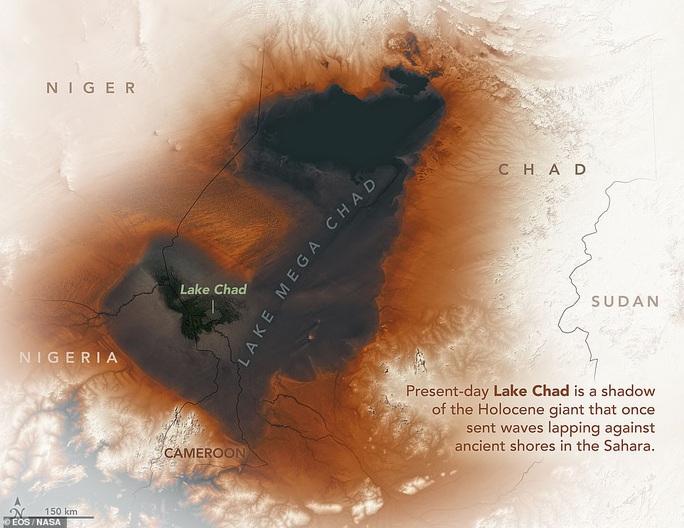 Vệ tinh chụp được vùng biển ma chưa từng thấy giữa sa mạc Sahara - Ảnh 1.