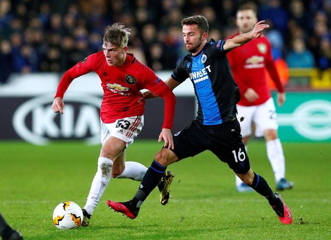 Europa League: Sai lầm hàng thủ, Man United suýt trả giá đắt - Ảnh 5.