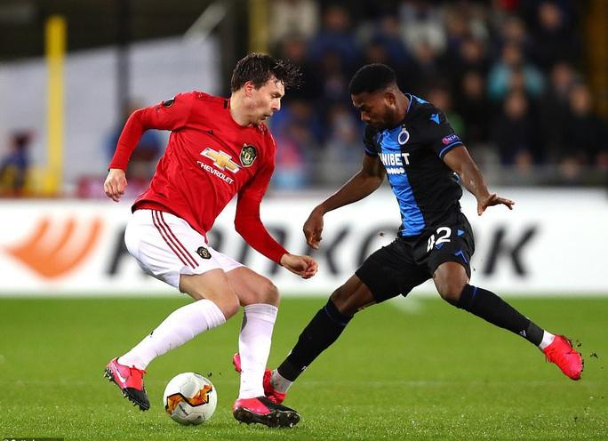Europa League: Sai lầm hàng thủ, Man United suýt trả giá đắt - Ảnh 3.
