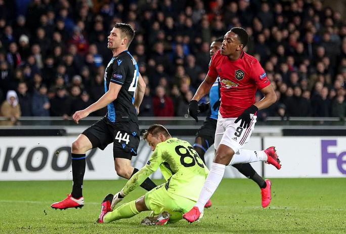 Europa League: Sai lầm hàng thủ, Man United suýt trả giá đắt - Ảnh 4.
