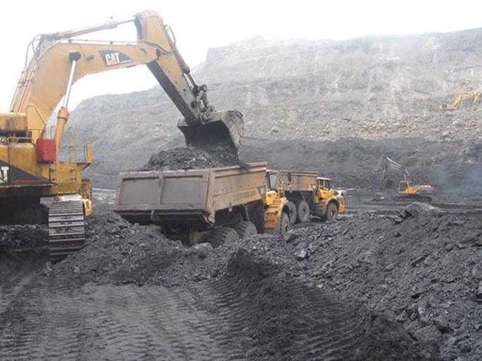 Bộ Công Thương đặc biệt lưu ý cung cấp than cho sản xuất điện trong dịch Covid-19 - Ảnh 1.