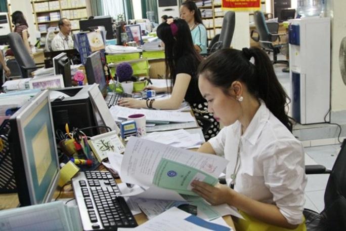 Các điều kiện công chức được nâng lương trước hạn - Ảnh 1.