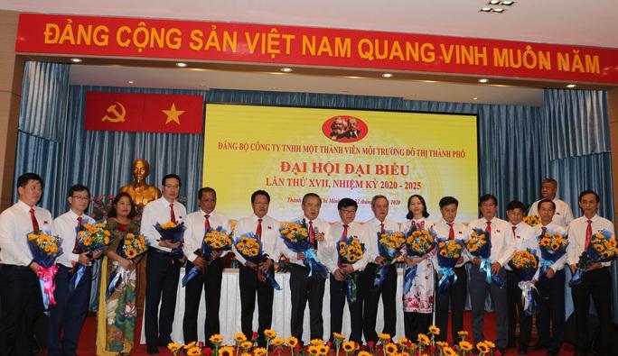 Ông Huỳnh Minh Nhựt tái đắc cử Bí thư Đảng ủy Công ty TNHH MTV Môi trường Đô thị TP HCM - Ảnh 1.