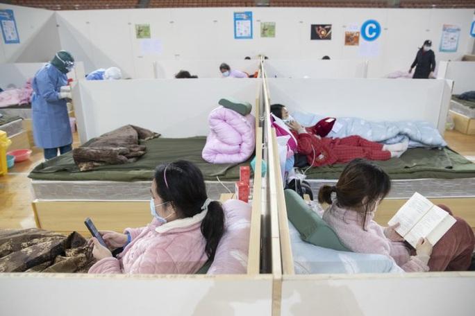 Covid-19: Cô gái không triệu chứng làm 5 người thân bị viêm phổi cấp - Ảnh 1.