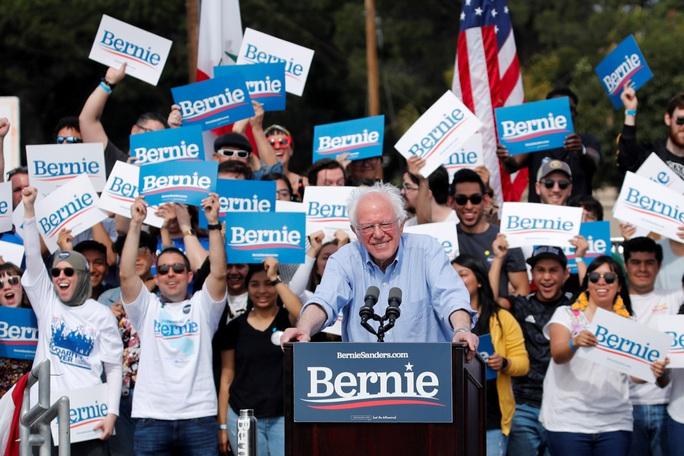 Nga thích ông Sanders trong Nhà Trắng hơn? - Ảnh 1.