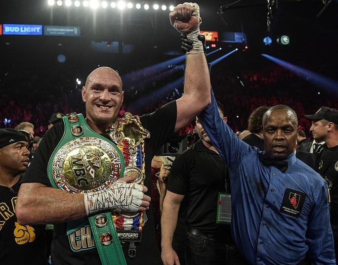 Tyson Fury hạ knock-out Wilder, đoạt đai vô địch WBC - Ảnh 5.