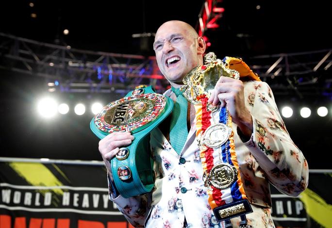 Tyson Fury hạ knock-out Wilder, đoạt đai vô địch WBC - Ảnh 6.