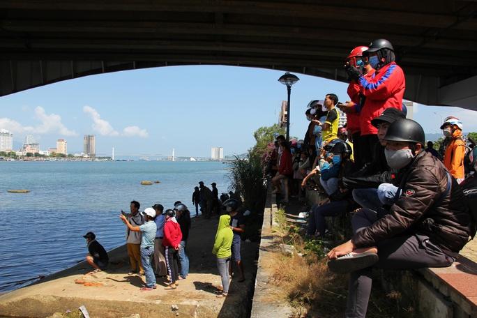 Buồn chuyện tình cảm, nam thanh niên nhảy cầu sông Hàn tự tử - Ảnh 2.