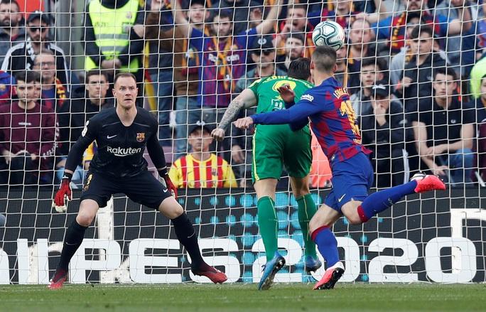 Messi lập cú poker, Barcelona thắng hủy diệt Eibar, lên ngôi đầu - Ảnh 3.