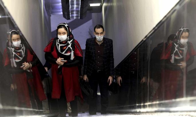 Covid-19: Tỉ lệ tử vong ở Iran cao gấp nhiều lần Trung Quốc - Ảnh 1.