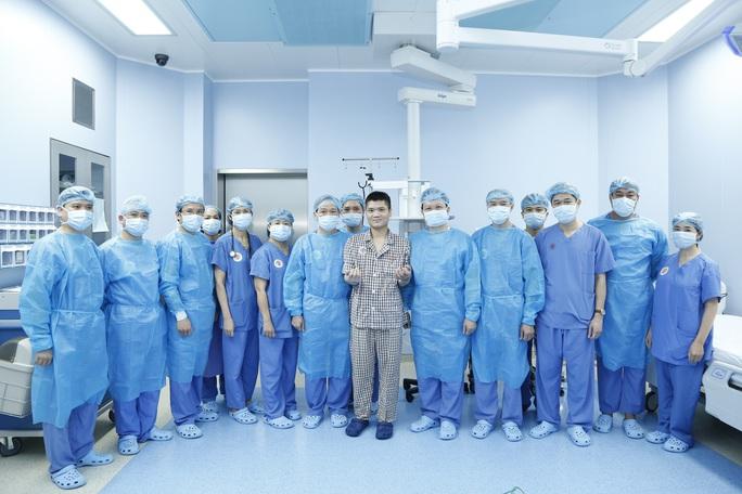 Việt Nam thực hiện thành công ca ghép chi thể đầu tiên trên thế giới từ người hiến sống - Ảnh 6.