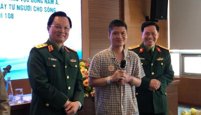 Việt Nam thực hiện thành công ca ghép chi thể đầu tiên trên thế giới từ người hiến sống - Ảnh 9.
