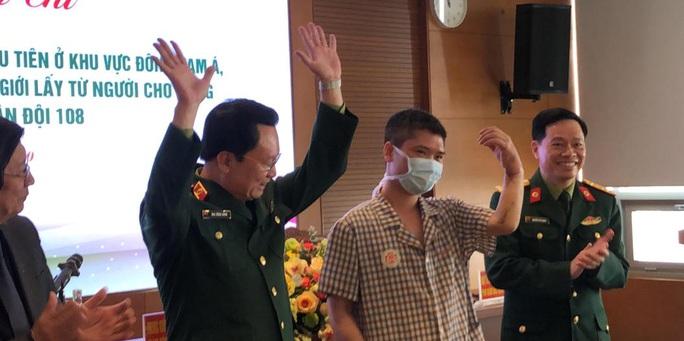 Việt Nam thực hiện thành công ca ghép chi thể đầu tiên trên thế giới từ người hiến sống - Ảnh 10.