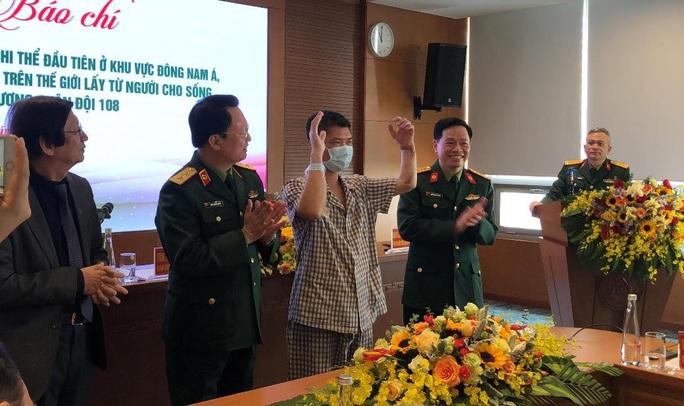 Việt Nam thực hiện thành công ca ghép chi thể đầu tiên trên thế giới từ người hiến sống - Ảnh 12.