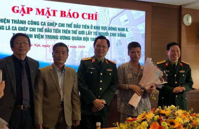 Việt Nam thực hiện thành công ca ghép chi thể đầu tiên trên thế giới từ người hiến sống - Ảnh 13.