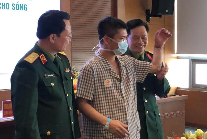 Việt Nam thực hiện thành công ca ghép chi thể đầu tiên trên thế giới từ người hiến sống - Ảnh 14.