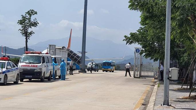 Đà Nẵng cách ly toàn bộ hành khách trên một chuyến bay về từ Daegu - Hàn Quốc - Ảnh 1.