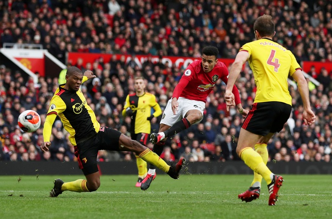 Tân binh Fernandes rực sáng, Man United bay vào Top 5 - Ảnh 7.
