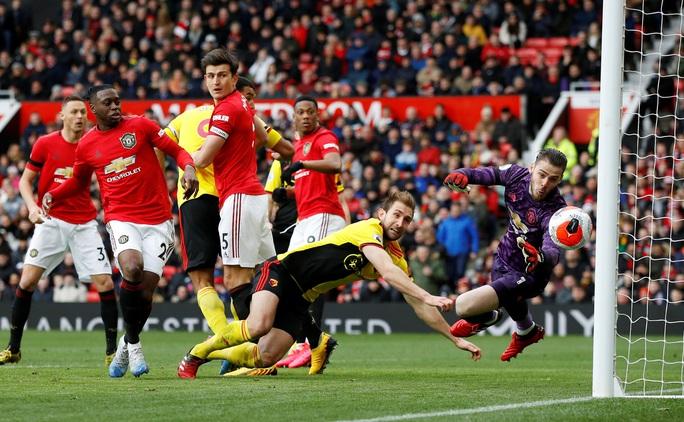 Tân binh Fernandes rực sáng, Man United bay vào Top 5 - Ảnh 4.