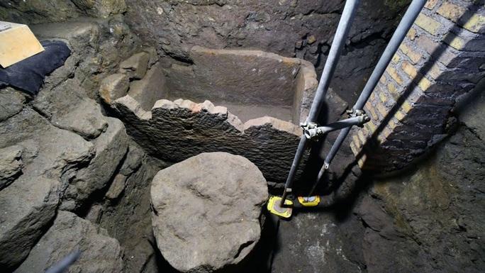 Bên trong ngôi mộ cổ