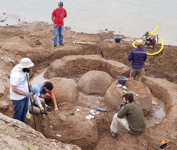 Chăn bò, tình cờ lọt vào hầm mộ quái vật 20.000 tuổi - Ảnh 3.