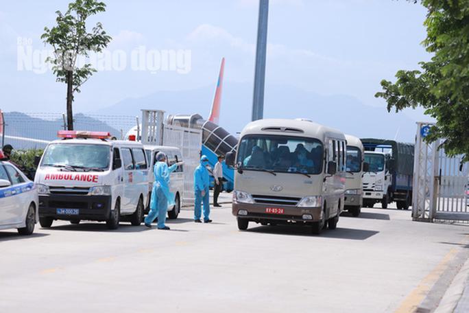 Đoàn khách Hàn Quốc dùng dằng không chịu cách ly, sáng nay Đà Nẵng họp quyết - Ảnh 2.