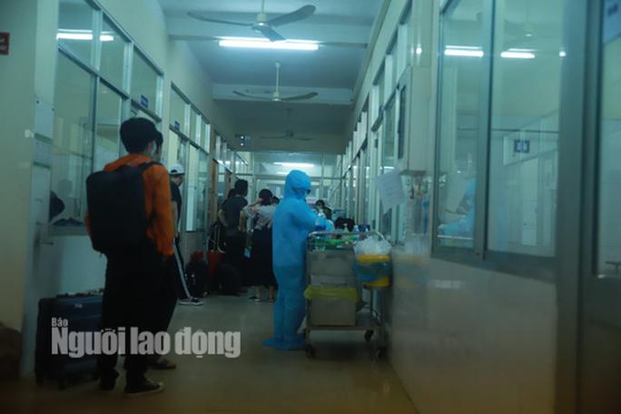 Đoàn khách Hàn Quốc dùng dằng không chịu cách ly, sáng nay Đà Nẵng họp quyết - Ảnh 1.