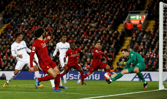 Ngược dòng ngoạn mục ở Anfield, Liverpool nối dài kỷ lục - Ảnh 1.