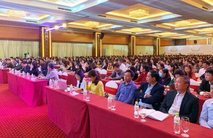Yêu cầu Sở GD-ĐT Thanh Hóa dừng ngay việc tổ chức hội thảo chọn sách - Ảnh 1.