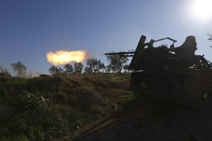 Phe nổi dậy thân Thổ Nhĩ Kỳ đánh bại quân đội Syria ở thị trấn chiến lược - Ảnh 2.