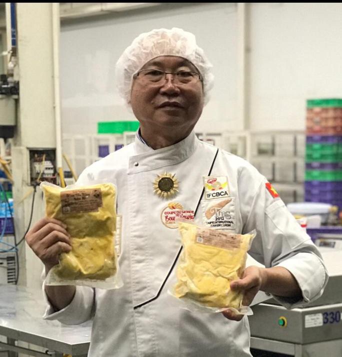 Ông Kao Siêu Lực tiếp tục gây sốt với bánh mì thanh long sầu riêng - Ảnh 2.
