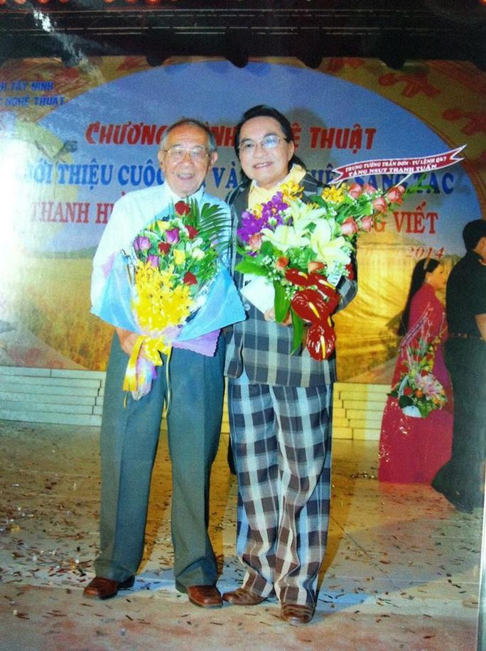 Các nghệ sĩ Thanh Tuấn, Lệ Thủy, Cẩm Tiên tiếc thương soạn giả Thanh Hiền - Ảnh 3.