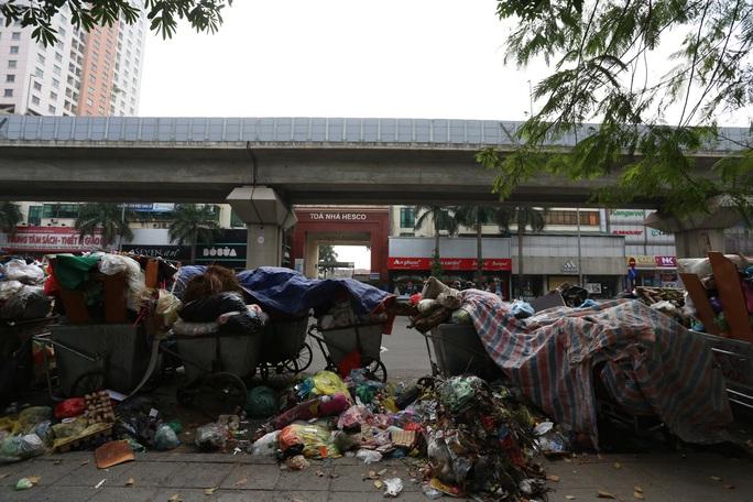 Rác sinh hoạt hộ gia đình: Người xả nhiều rác sẽ phải trả nhiều tiền hơn - Ảnh 2.