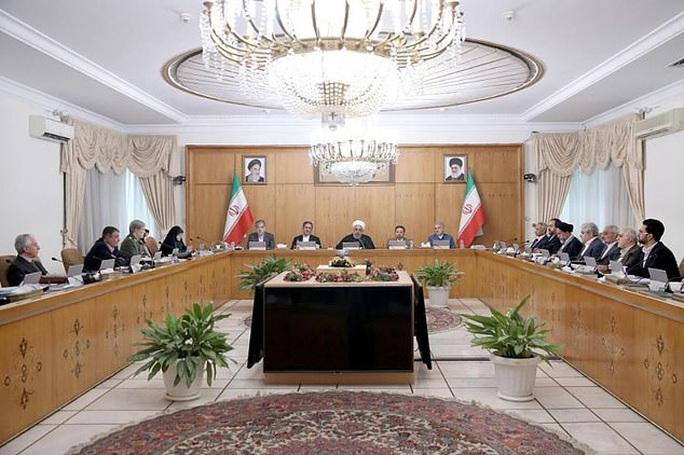 Covid-19: Phó Tổng thống Iran nhiễm virus - Ảnh 2.