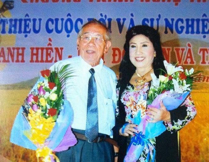 Các nghệ sĩ Thanh Tuấn, Lệ Thủy, Cẩm Tiên tiếc thương soạn giả Thanh Hiền - Ảnh 1.