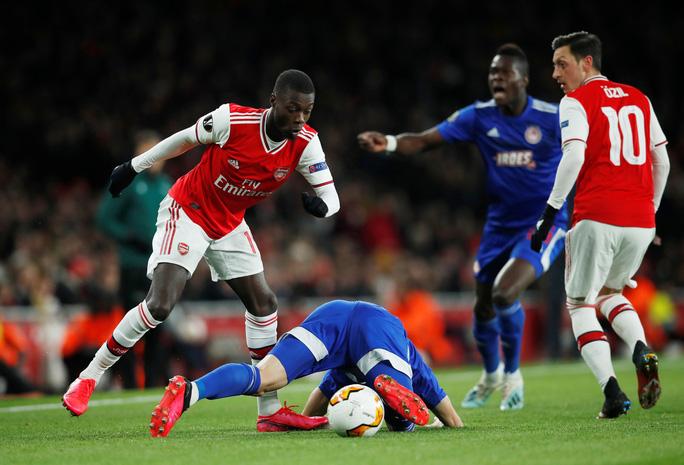 Đương kim á quân Arsenal bị loại sốc vòng knock-out Europa League - Ảnh 1.