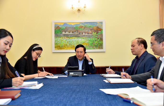 Phó Thủ tướng Phạm Bình Minh điện đàm với Ngoại trưởng Hàn Quốc - Ảnh 2.